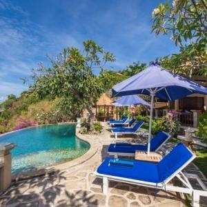 Blue Moon Villas